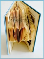Picture of Book Folding Pattern - I Heart U