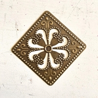 Picture of Filigree Flower Embellishments - Large Square